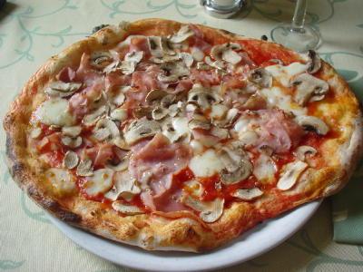 15_lucia_pizza